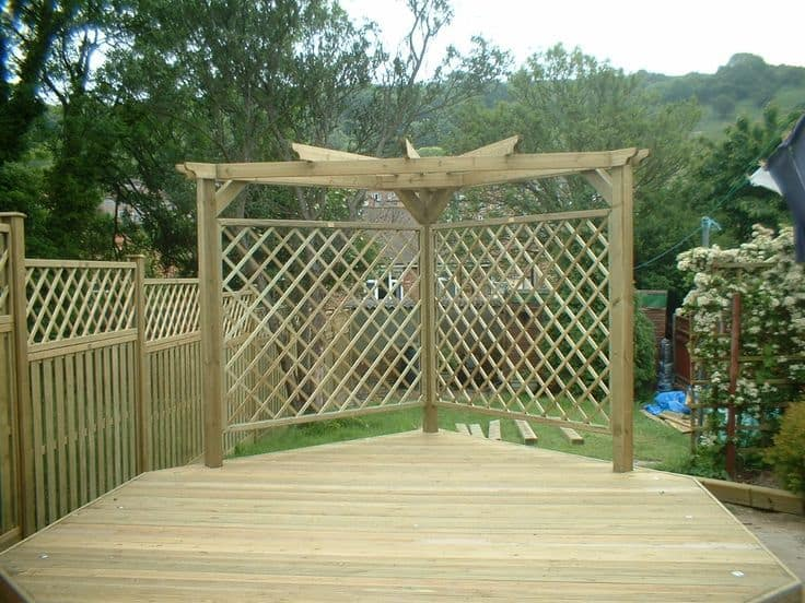 Top screening ideas for your garden for Garden screening ideas