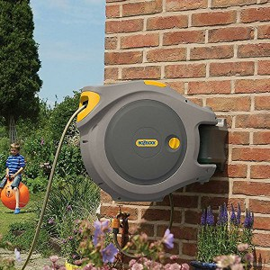 Hozelock auto rewind 30 meter hose reel review