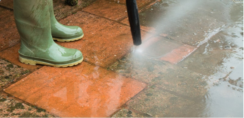 Ever wondered how to deep clean your patio slabs. Learn how to clean patio slabs which included detergent applied correctly, using s pressure washing and bleach