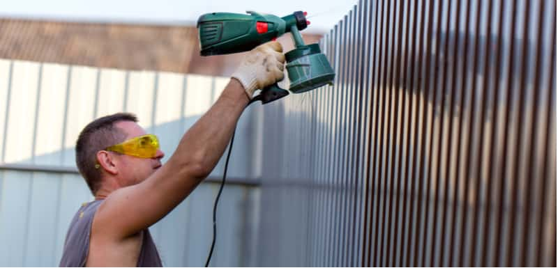 Painting a fence with a brush can be so time-consuming which is why we reviewed some of the best fence sprayers comparing many aspects from coverage to quality.