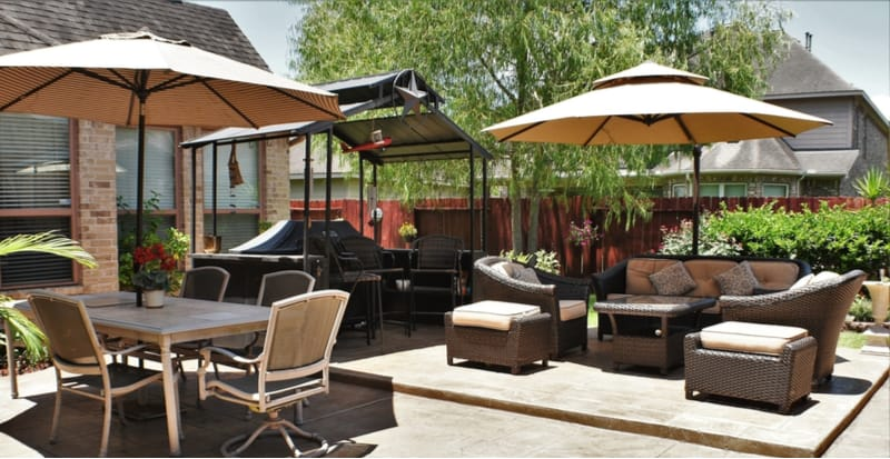 With so many patio umbrellas and parasols we have done the research and have narrowed the best patio umbrellas to just 5 models. Read reviews and buyer guide now