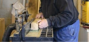 We compare some of the best router tables which can be used universally with most routers. Read our buyers guide and reviews where we compare the best models.