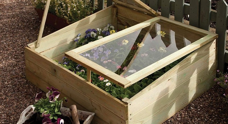 In this guide, we compare 8 of the best cold frames which include both wood and aluminium models to see how they compare when protecting plants.