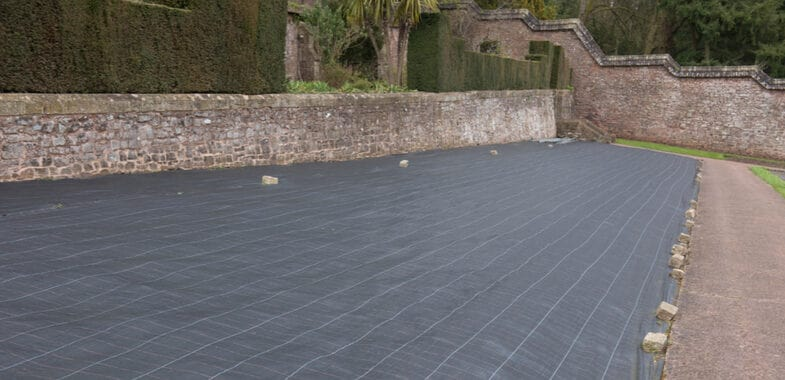 Top 5 Best Weed Control Membranes for Under Stone, Bark and Artificial lawns