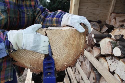 Log splitter splitting large log