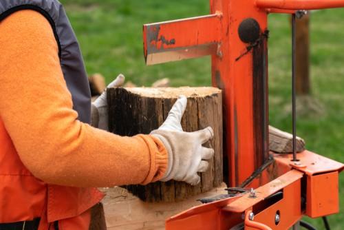 Vertical log splitters
