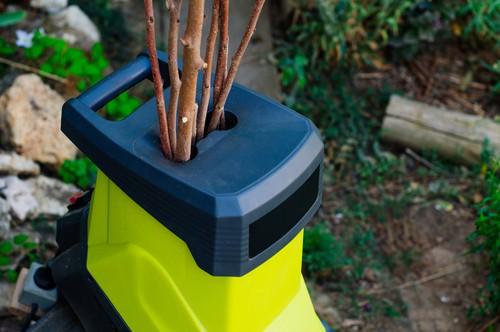 Maximum branch diameter of garden shredder