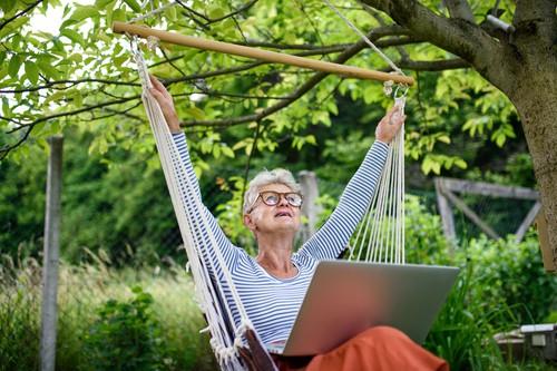 Choosing a hanging hammock chair for your garden