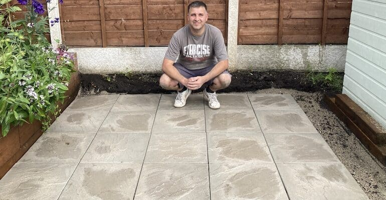 How to build a greenhouse base with paving slabs
