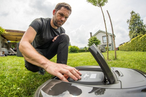 Programming robot lawn mower so it knows when to mow and for how long