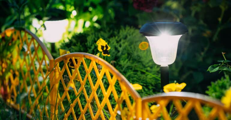 Best solar powered garden lights being compared to see which are are the best overall